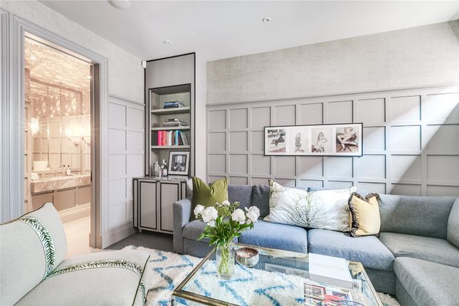 5 bed mews house for sale in Old Manor Yard, Earls Court, London SW5