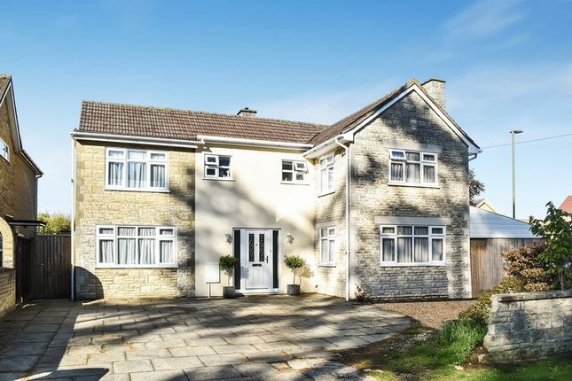 Thumbnail Detached house for sale in Launton Road, Bicester