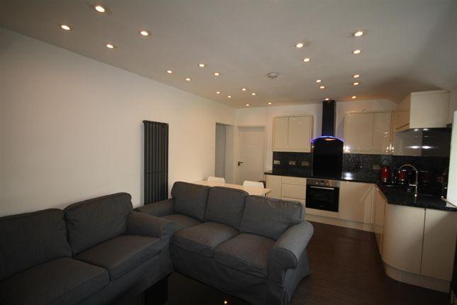 Thumbnail Flat to rent in De Bohun Avenue, Southgate, London