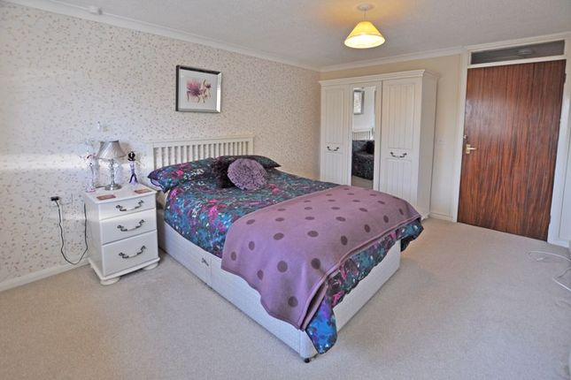 Photo 11 of Spacious Retirement Apartment, Stow Park Crescent, Newport NP20