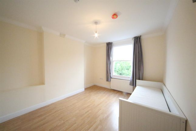 Thumbnail Studio to rent in Hilltop Road, West Hampstead, London