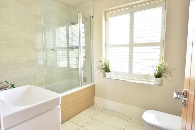 Bathroom of Fred Mead, Southfleet, Gravesend DA13