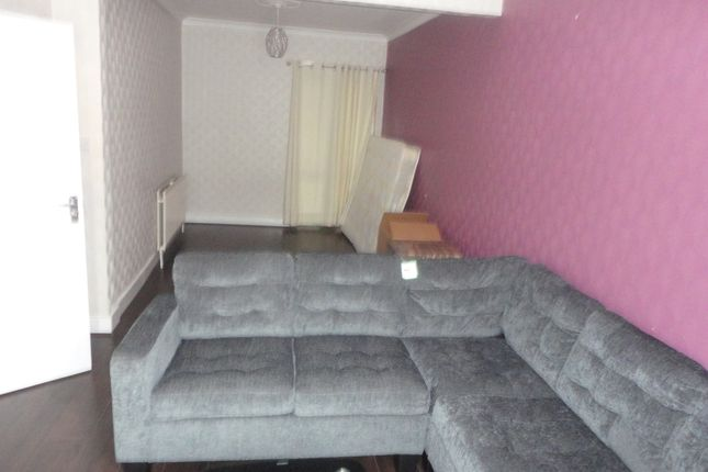 Thumbnail Room to rent in Standard Road, Hounslow
