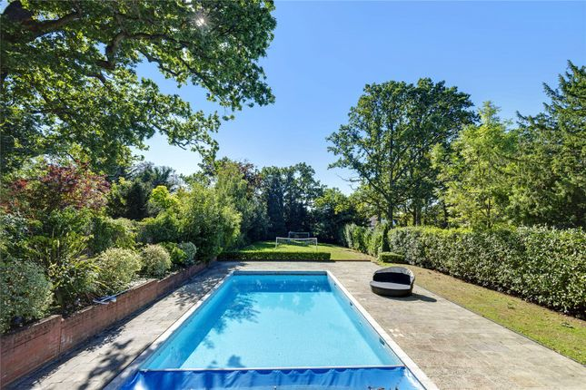 Thumbnail Detached house for sale in Hendon Avenue, Finchley, London