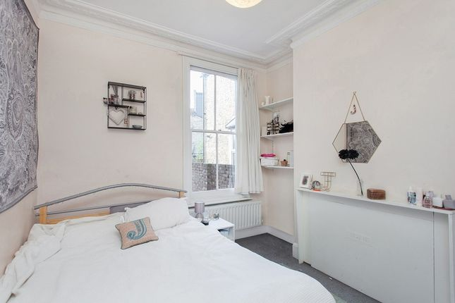 Thumbnail Flat to rent in Hazelbourne Road, London