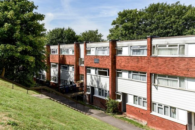 Thumbnail Flat to rent in Hunters Hill, High Wcyombe