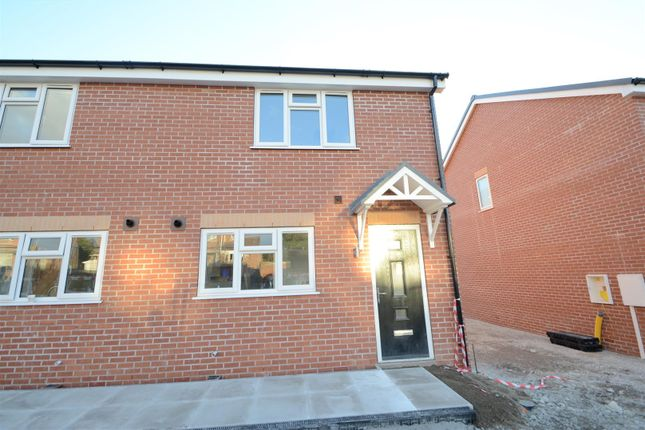 Thumbnail Town house for sale in Barrons Way, Borrowash, Derby