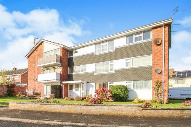 Thumbnail Flat to rent in Chilliswood Crescent, Taunton