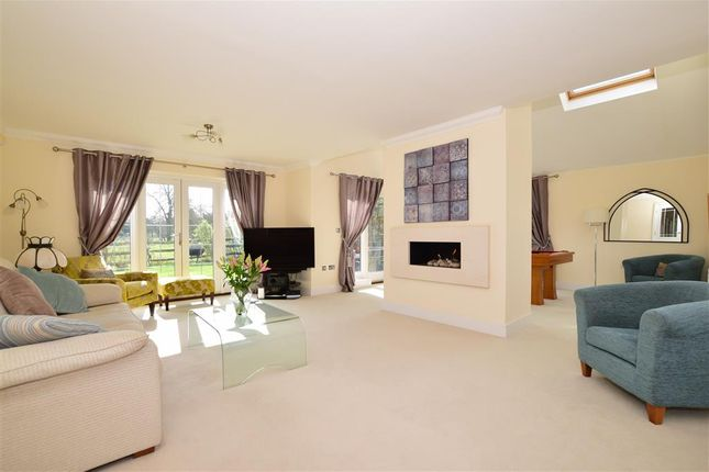 Lounge of Hart Lane, Harvel, Meopham, Kent DA13