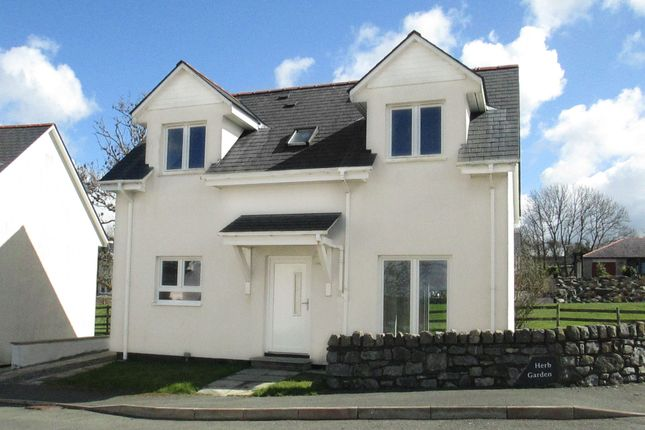 Thumbnail Detached house for sale in Pentre Berw, Gaerwen, Anglesey