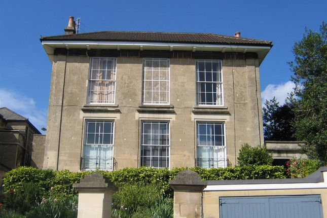 Thumbnail Flat to rent in Cambridge Place, Bath
