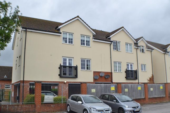 2 bed flat for sale in Tudor Court, Bath Road, Thatcham