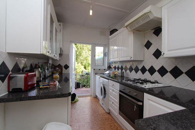 Thumbnail Property to rent in Temple Terrace, Vincent Road, London