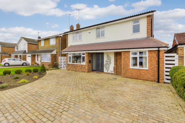 Thumbnail Detached house for sale in Grangewood, Potters Bar