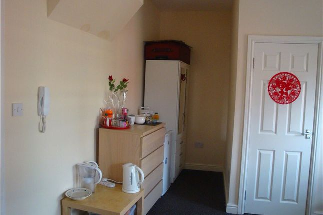Thumbnail Flat to rent in Lower Holyhead Road, City Centre