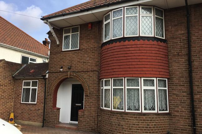 Thumbnail Shared accommodation to rent in Woolacombe Road, Blackheath