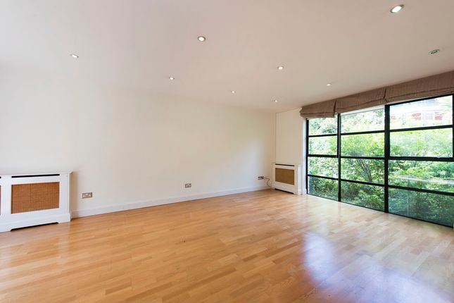 Thumbnail Flat for sale in Putney Hill, London