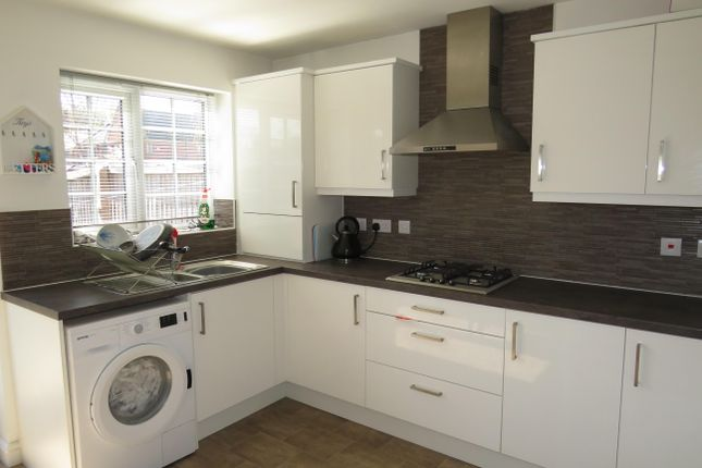 Thumbnail Property to rent in Wolsey Island Way, Leicester