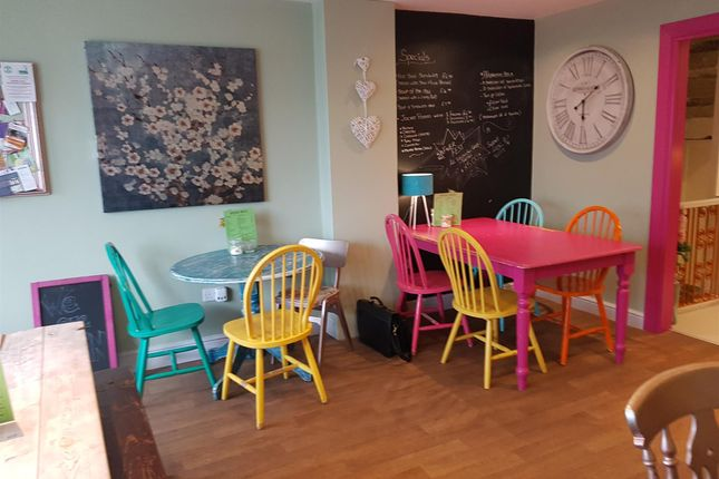 Restaurant/cafe for sale in Cafe & Sandwich Bars HX6, West Yorkshire
