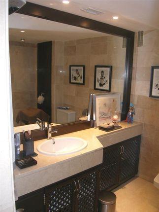 A3939_11_Bathroom