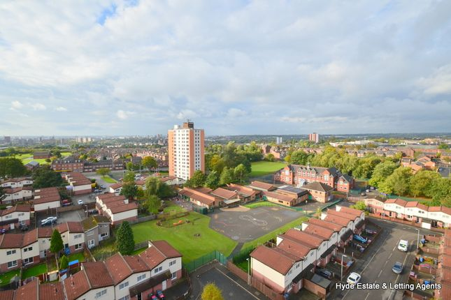 Thumbnail Flat to rent in Highclere Avenue, Salford