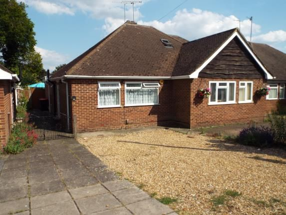 Thumbnail Bungalow for sale in Langdale Road, Dunstable, Bedfordshire, England