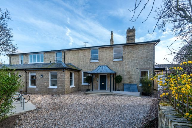 Thumbnail Flat for sale in Maids Causeway, Cambridge