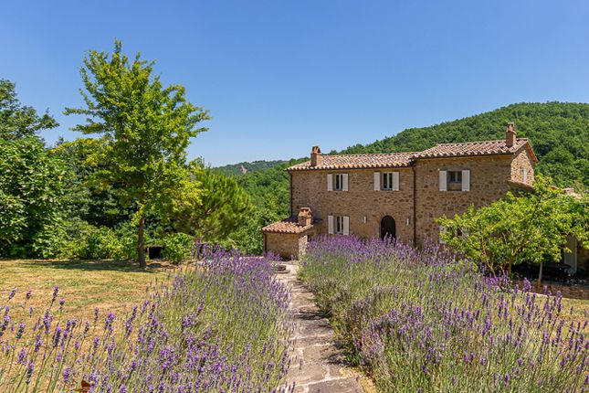 Country house for sale in Casale San Benedetto, Lisciano Niccone, Perugia, Umbria, Italy