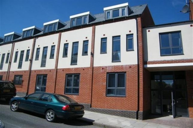 Thumbnail Property to rent in Burns Street, Leicester, Leicestershire