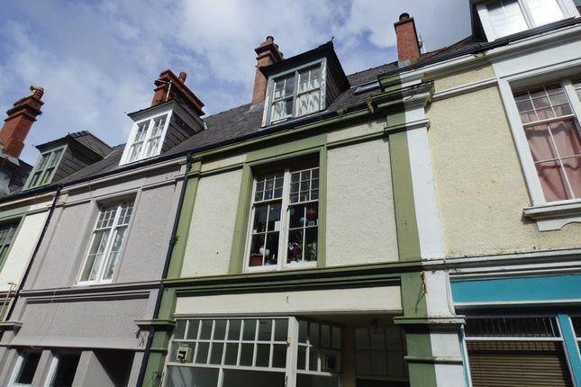 Thumbnail Maisonette to rent in Flat 2, Castle Buildings, Station Road, Llanfairfechan