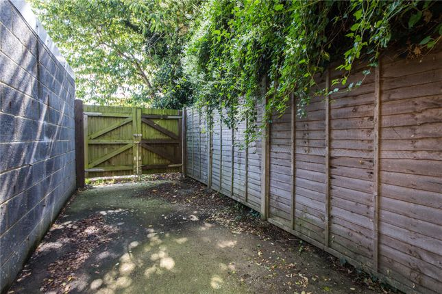 Picture No. 04 of Forge Lane, Gravesend, Kent DA12