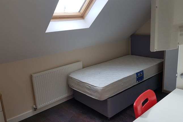 Thumbnail Shared accommodation to rent in Bolingbroke Road Room 6, Coventry