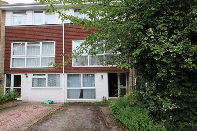 Property to rent in Lanark Close, London
