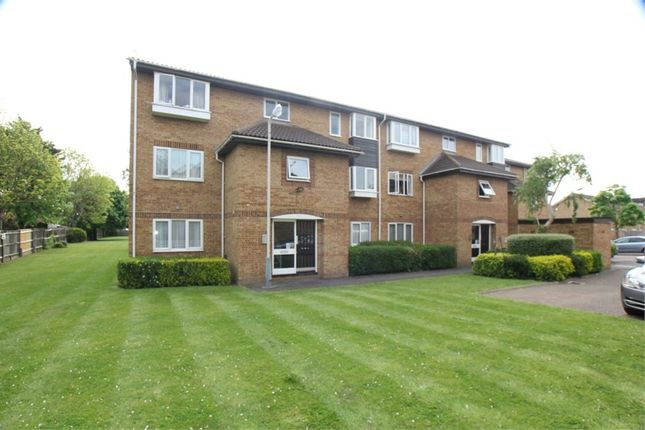 Thumbnail Flat to rent in Newcombe Rise, West Drayton