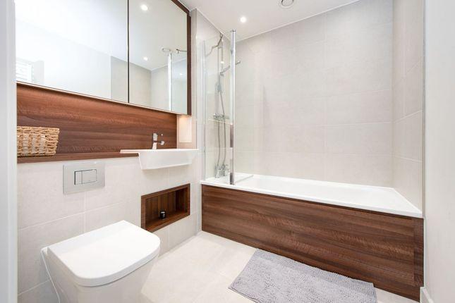 Bathroom of 1 Moorhen Drive, London NW9