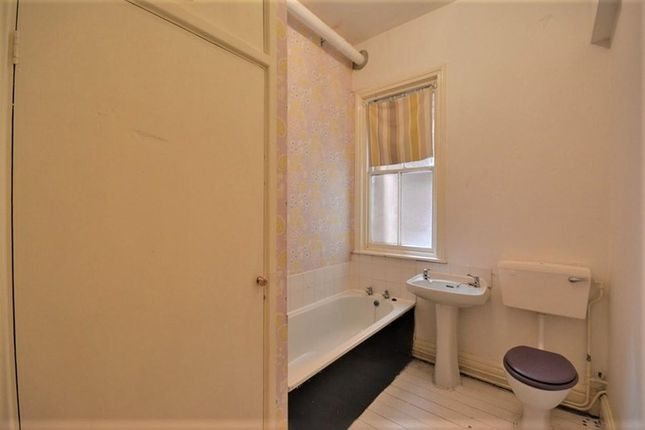 Bathroom of Westhill, Lord Street West, Birkdale, Southport PR8