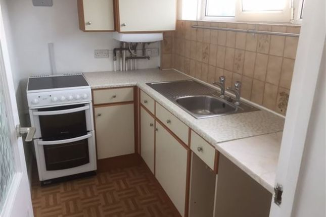 1 bed flat to rent in Old Orchard Road, Eastbourne