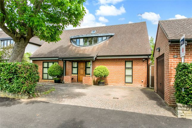 Thumbnail Detached bungalow for sale in Temple Close, Watford, Hertfordshire
