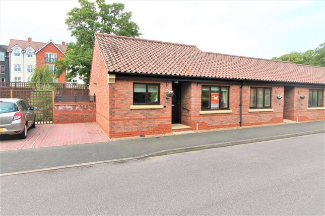 Thumbnail Bungalow for sale in Honeywell Close, Oadby, Leicester