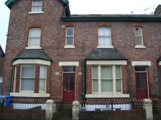 Thumbnail Flat to rent in Gloucester Road, Urmston, Greater Manchester