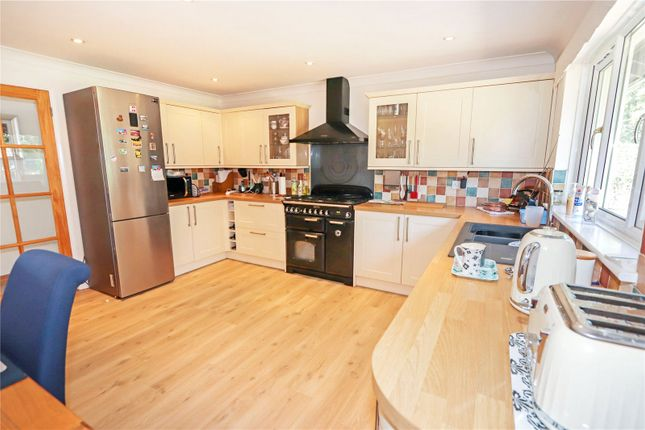 Picture No. 32 of Lagoon View, West Yelland, Barnstaple EX31