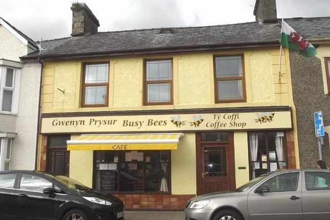 Thumbnail Restaurant/cafe for sale in High Street, Penrhyndeudraeth