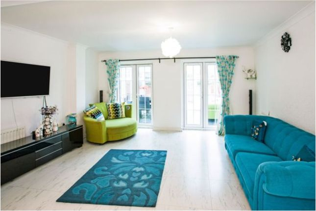 Thumbnail Semi-detached house to rent in Oxford Close, Romford