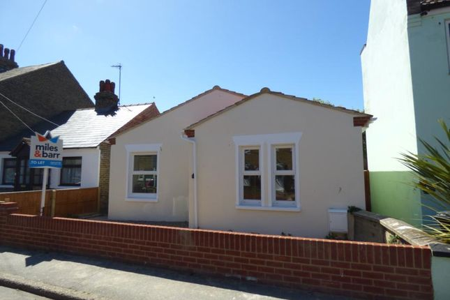 Thumbnail Bungalow to rent in Linksfield Road, Westgate-On-Sea