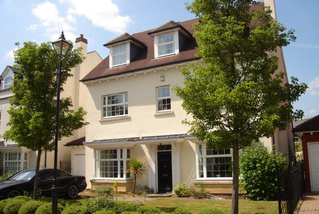 Thumbnail Detached house to rent in Jennings Close, Long Ditton Surbiton
