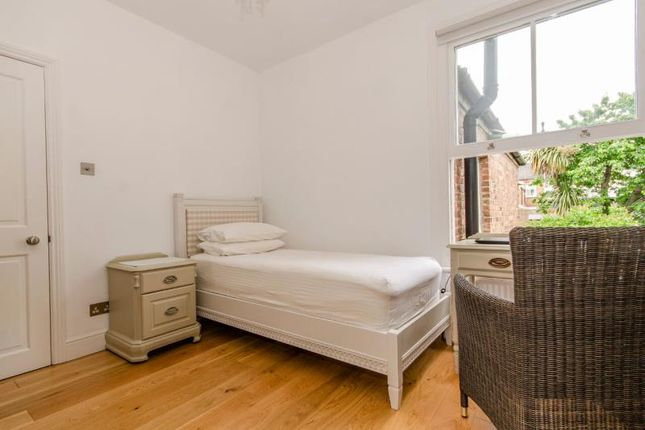 Bedroom 2 B of Hertford Road, London N2