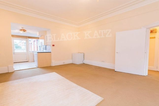 1 bed flat to rent in Brook Green, London W6