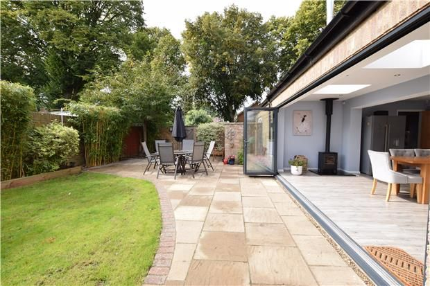 Thumbnail Link-detached house for sale in Talbot Road, Carshalton