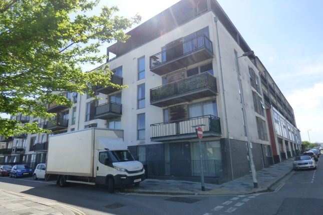 Thumbnail Flat to rent in Brittany Street, Stonehouse, Plymouth