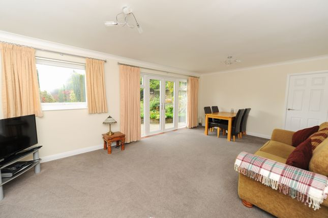 Living Room of Mendip Crescent, Ashgate, Chesterfield S40